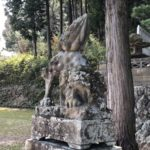 塩津神社【離れた本殿と古墳】
