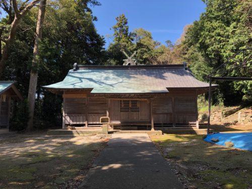 三社神社拝殿