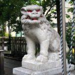 三河稲荷神社【なんで目まで赤く塗ったのやら】